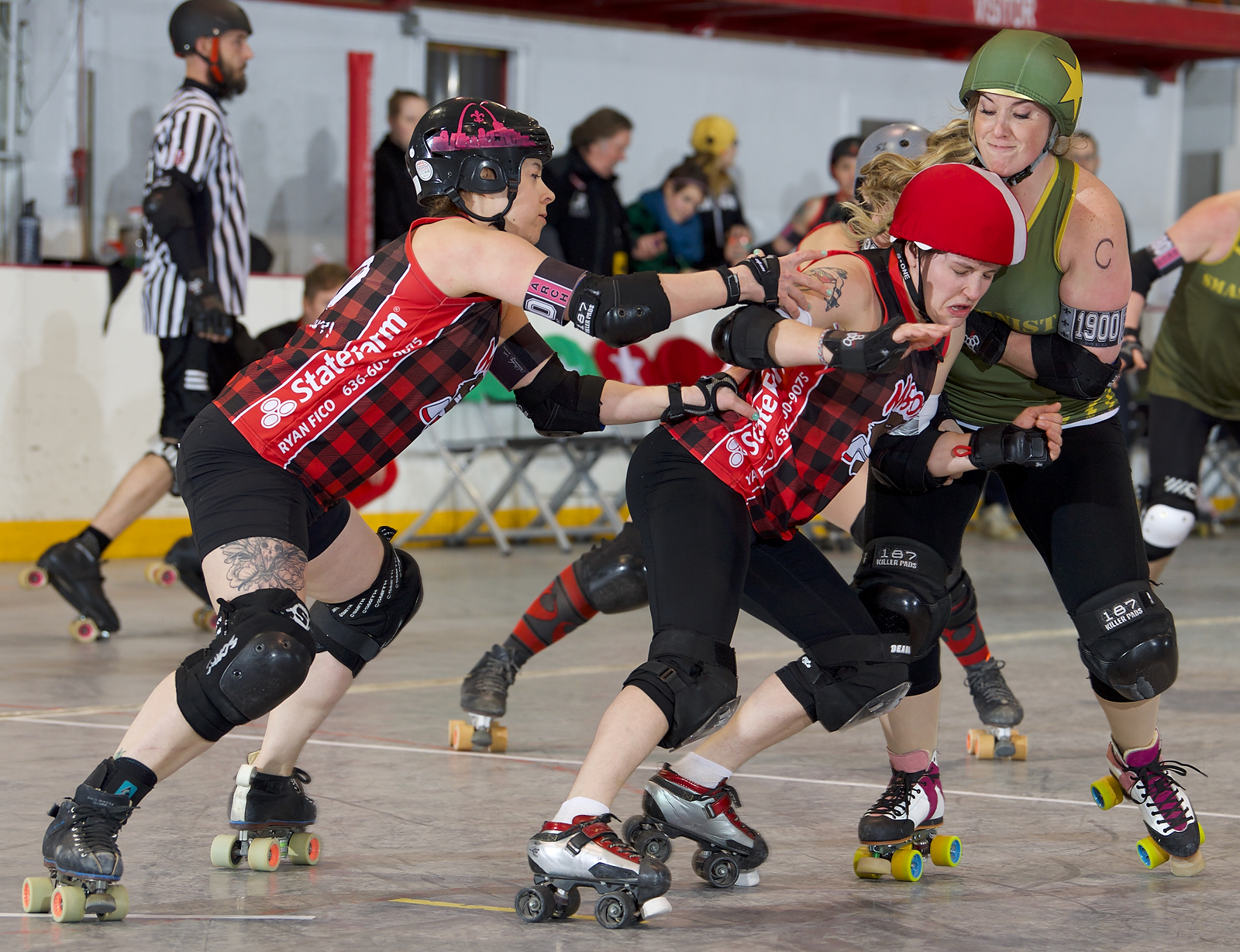 Smashies Snare Win Over M-80s! | Arch Rival Roller Derby